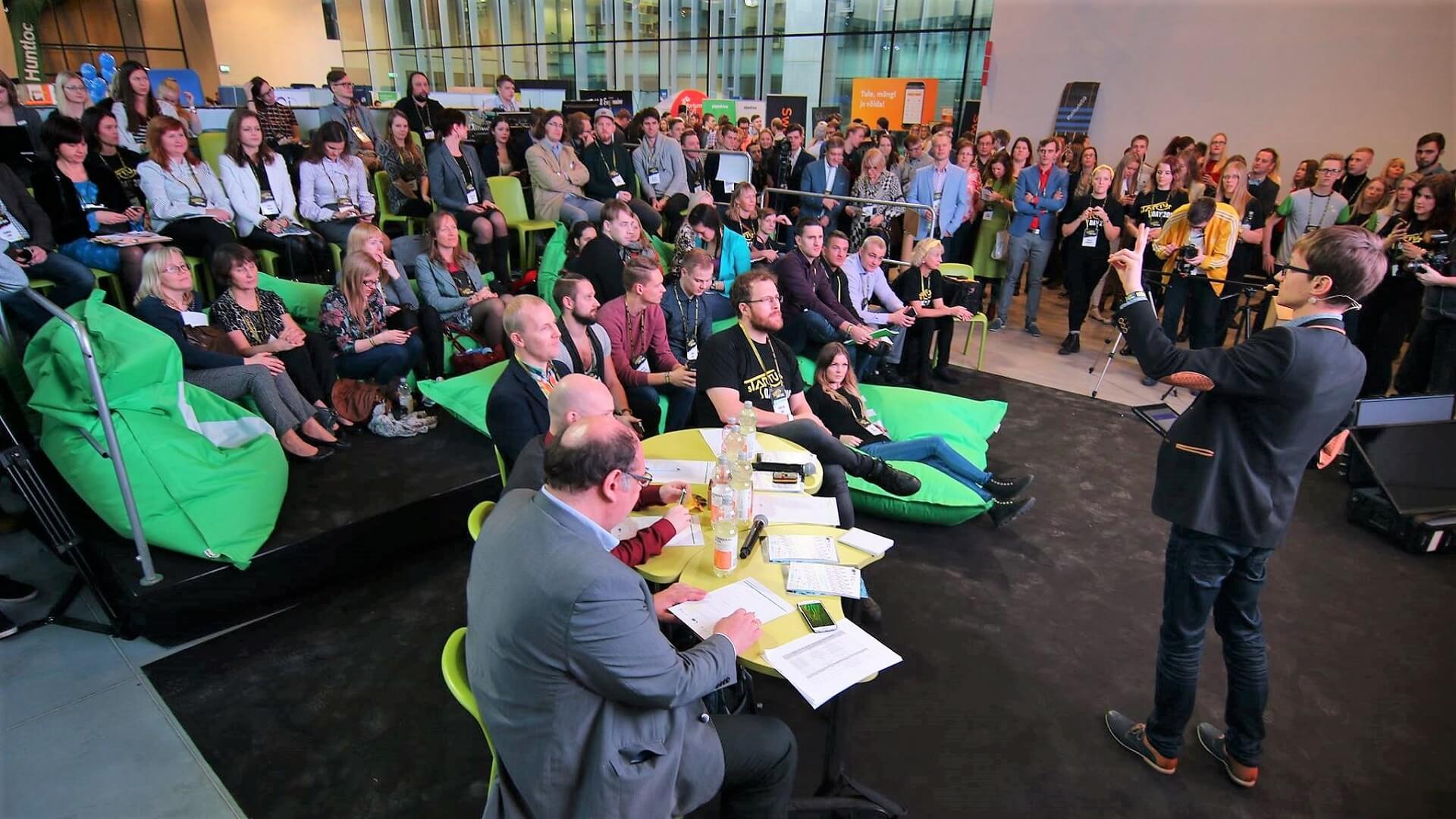 Äriidee pitchimine - kuidas esitleda enda ideed? (Avalik esinemine). Äriideede esitluse võistlus. Foto: Anton Klink